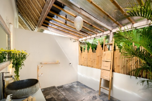 Villa-Impossibles-Pecatu-Bali-Bathroom-three-shower1-1000x668