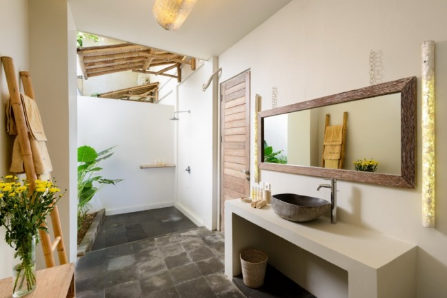 Villa-Impossibles-Pecatu-Bali-Bathroom-two-shower1-1000x668