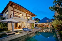 Villa-Joss-View-from-bale-to-dining-room