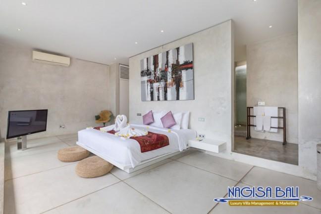 Villa-Mikayla-Bedroom1-3508