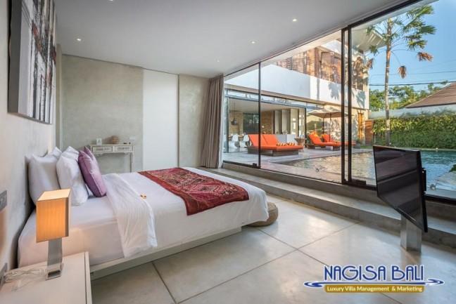 Villa-Mikayla-Bedroom1-3896