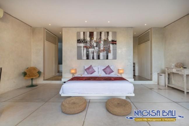 Villa-Mikayla-Bedroom1-3903
