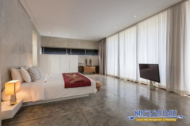 Villa-Mikayla-Bedroom2-3546