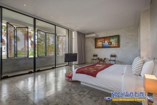 Villa-Mikayla-Bedroom2-3566