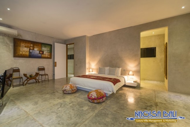 Villa-Mikayla-Bedroom2-4062