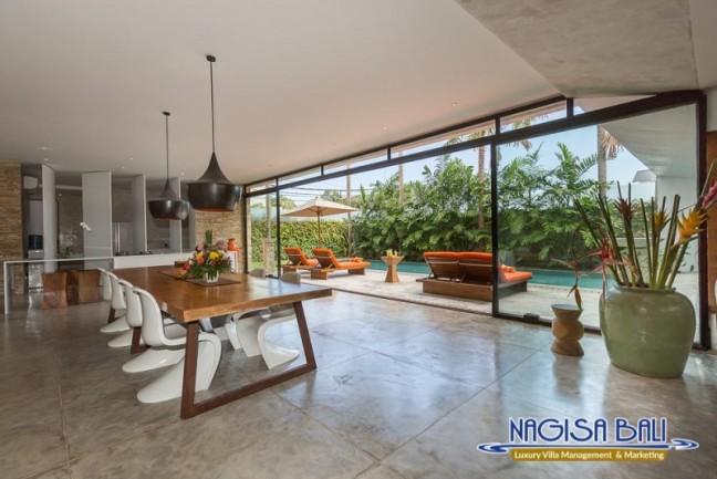 Villa-Mikayla-Dining-Area-3709