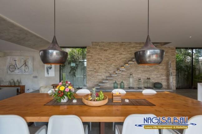 Villa-Mikayla-Dining-Area-3745