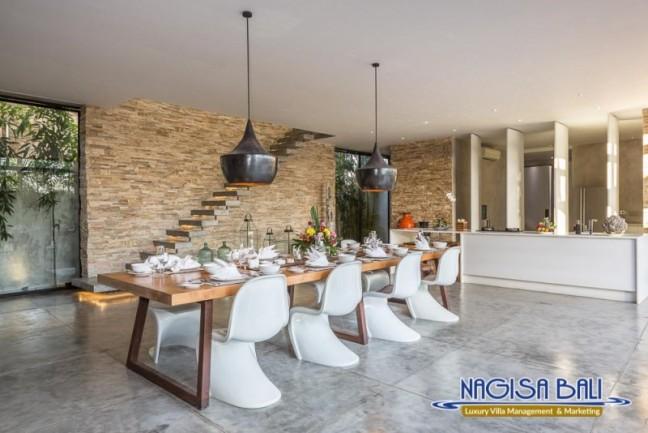 Villa-Mikayla-Dining-Area-3907