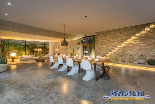 Villa-Mikayla-Dining-Area-3967