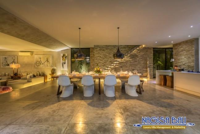 Villa-Mikayla-Dining-Area-3991
