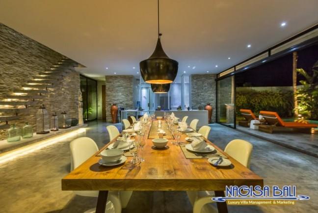Villa-Mikayla-Dining-Area-4073