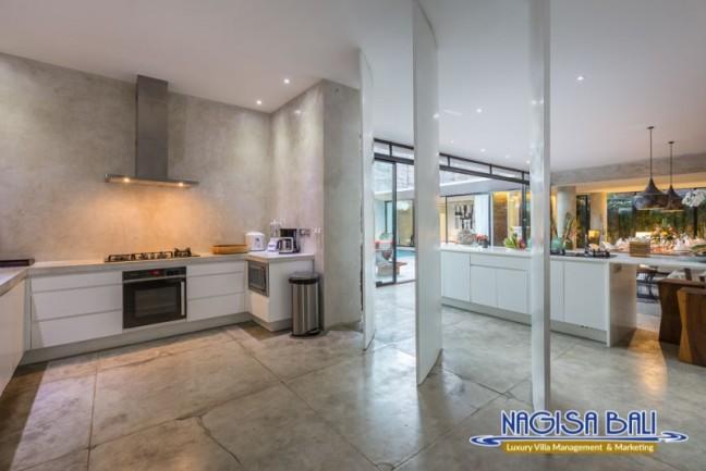 Villa-Mikayla-Kitchen-Area-3941