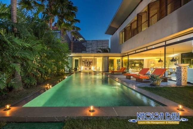 Villa-Mikayla-Pool-Area-4005