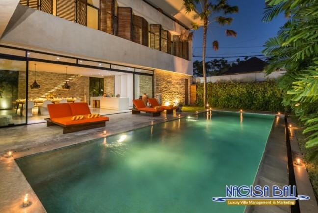 Villa-Mikayla-Pool-Area-4010