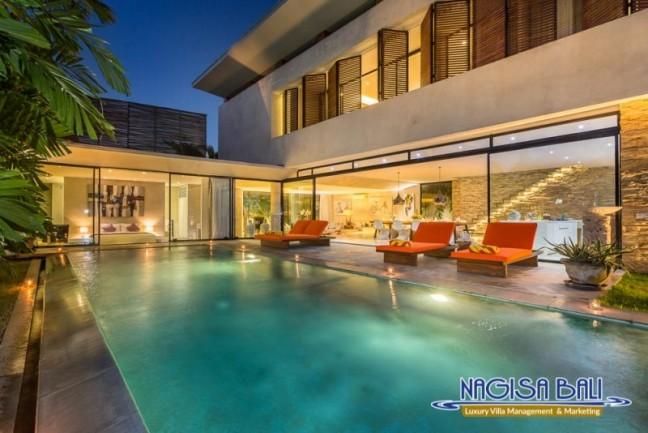 Villa-Mikayla-Pool-Area-4015