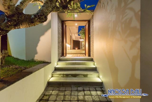Villa-Roemah-Natamar-Entrance-0465low-Res-w-logo