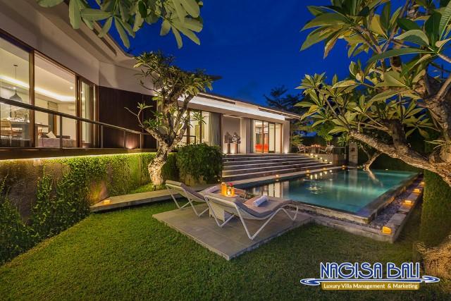 Villa-Roemah-Natamar-Night-0456low-Res-w-logo