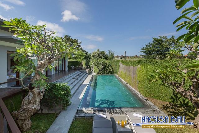 Villa-Roemah-Natamar-Pool-Area-0254low-Res-w-logo